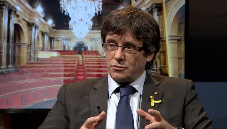 Puigdemont pide coche oficial
