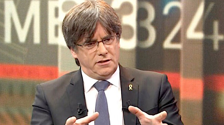 Puigdemont trontolla